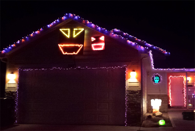 animated halloween light show in casper is a must see video